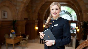 Con gái có nên học ngành quản trị khách sạn hay không?