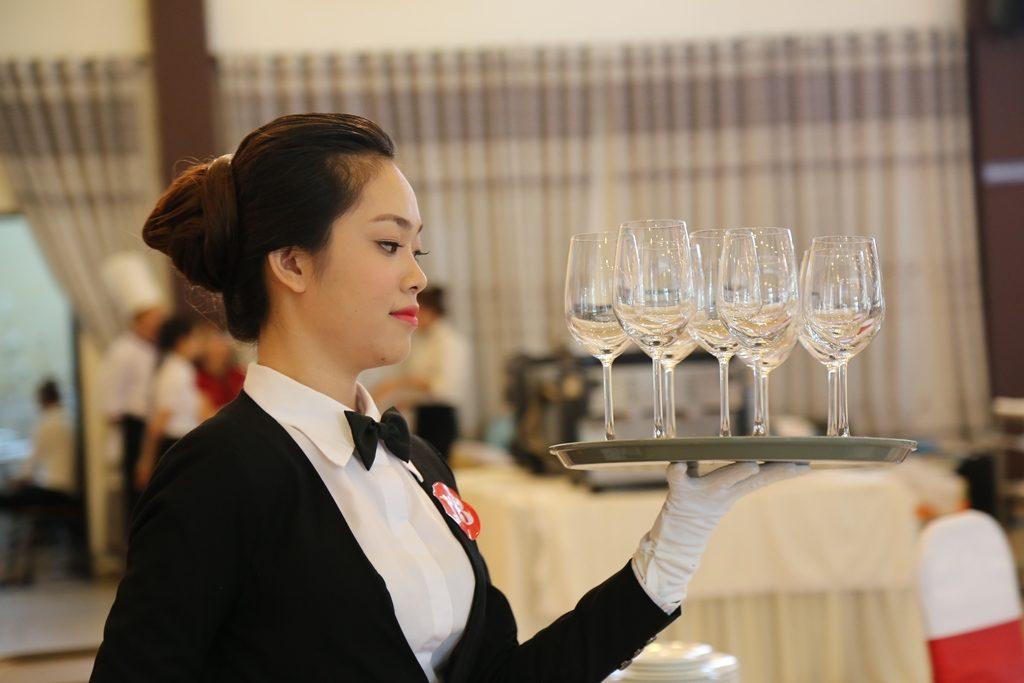 Hiện nay vị trí quản trị khách sạn lương bao nhiêu?